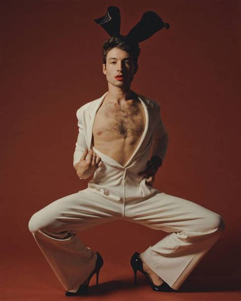 ezra miller outfits fantastic beasts 2 actor ezra miller poses in gender fluid