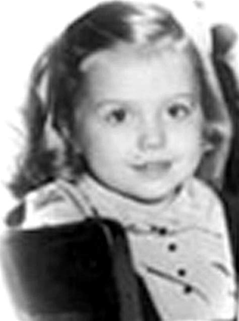 Hillary Clinton S Childhood | hillary clinton in celebs before they were famous 1 of 2