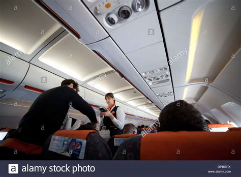 easy jet cabin crew easyjet cabin crew stock photos easyjet cabin crew stock