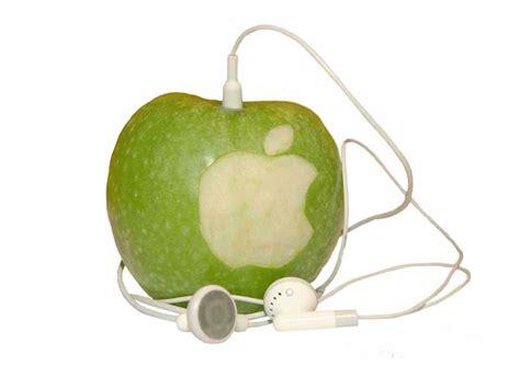 A Apple by The Apple Wallpaper Apple Wallpaper 602491 Fanpop