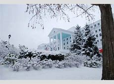 Here Are 12 Great Places To Go In West Virginia This Winter Greenbrier Resort West Virginia