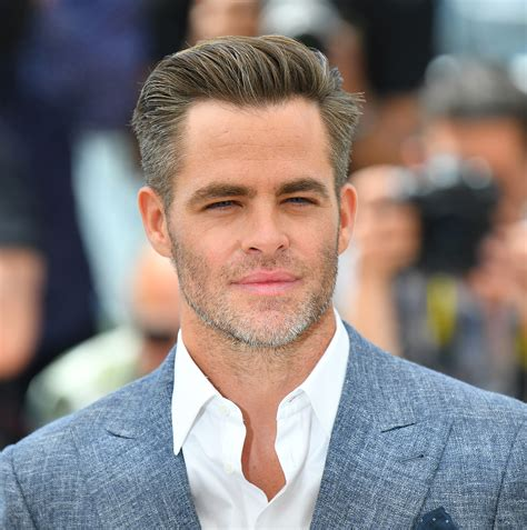 Chris Pine Hairstyle by Chris Pine Handsomeness Update He Has Gray Hair Now Racked