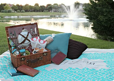 Picnic Date by Daytime Date Ideas Somewhat Simple