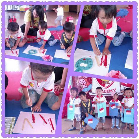 Buku Lengkap Cerdas Pintar Usia Dini Sc cara membuat bendera merah putih dari stick es krim kreasi pendidik tk dan paud