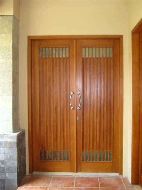 rumah minimalis desain pintu utama rumah minimalis
