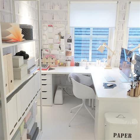 home office im speisesaal wohnzimmer im skandinavischen einrichtungsstil