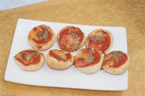 cucinare con pasta sfoglia pizzette di pasta sfoglia ricette di cucina