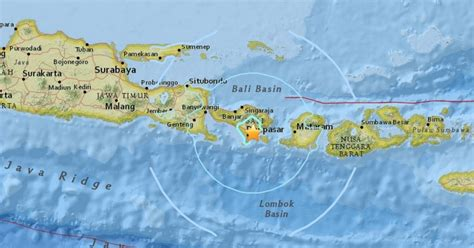 earthquake bali twitter bali hit by powerful earthquake with 6 4 magnitude as