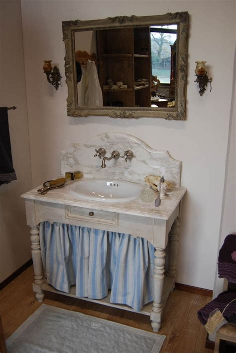 mobili bagno in stile 17 migliori idee su arredo bagno antico su