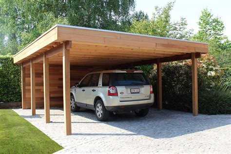 carport of garage in hout met berging of fietsstalling