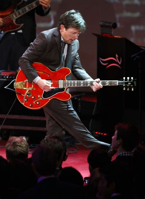 michael j fox young back to the future michael j fox really plays guitar rocks back to the