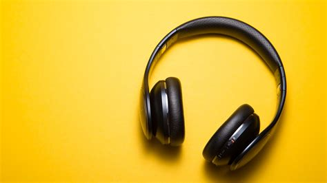 wallpaper headphones yellow background hd