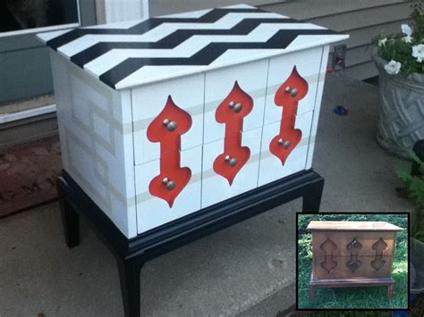 Trash To Treasure Furniture by Trash To Treasure Using Spraypaint To Refinish Curb Find