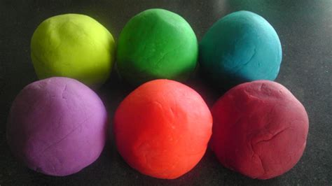 Handmade Playdough - playdough crafts to do with