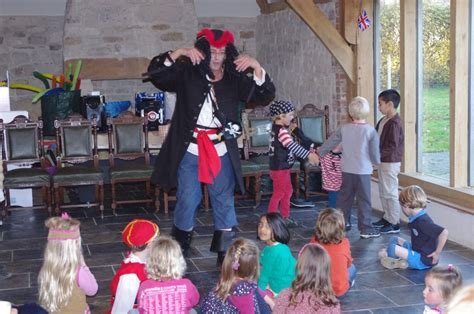 pirate themed party entertainers themed children s parties merry entertainment childrens