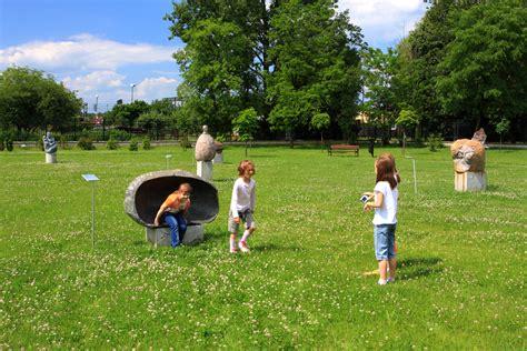 send kids outside to prevent nearsightedness