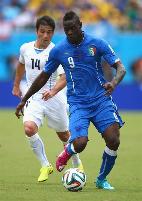alexis sanchez real height how signing mario balotelli would affect alexis sanchez at