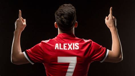 alexis sanchez united united fans react to alexis sanchez arrival