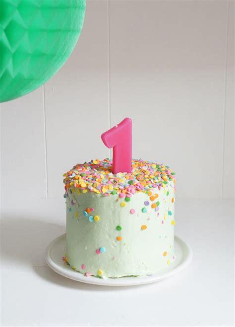 1st Birthday Cake by Best 25 1st Birthday Cakes Ideas On Baby 1st