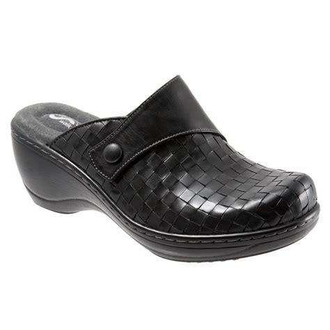 women s comfort clogs softwalk memphis women s comfort clogs all colors