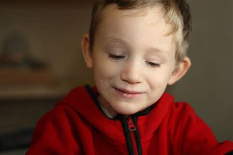 file boy with autism jpg wikimedia commons