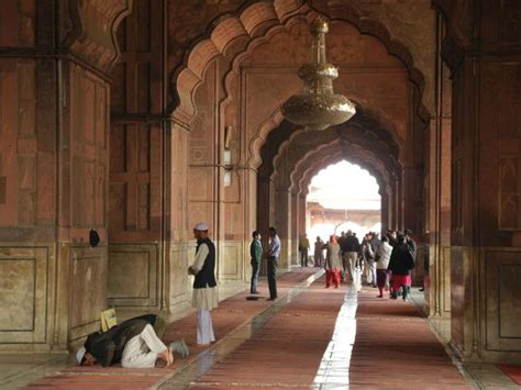 Interior Jam Masjid interior of the mosque picture of friday mosque jama masjid new delhi tripadvisor