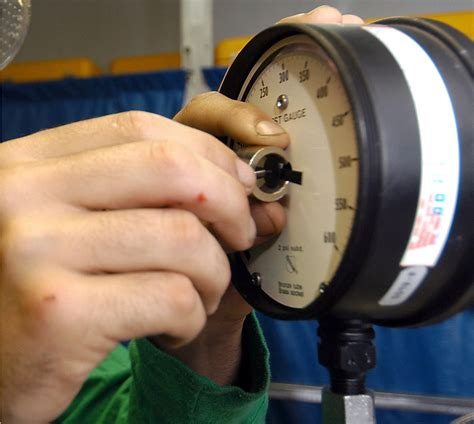 how to calibrate a pressure gauge with a pressure the best way to calibrate a vacuum gauge with and without
