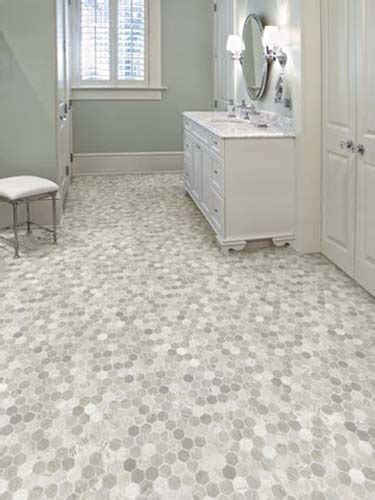 Vinyl Flooring Bathroom Ideas by Best 25 Vinyl Flooring Bathroom Ideas On