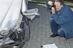 Restwert Auto Vollkasko by Unfall Totalschaden Was Tun Autobild De