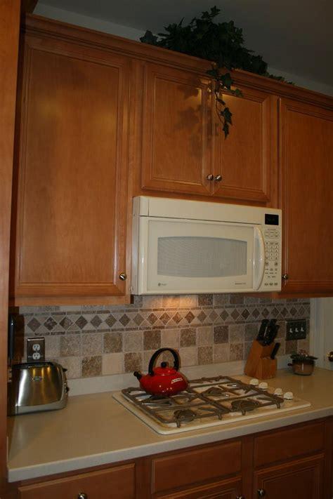 tiling patterns kitchen: contemporary kitchen backsplash tile designs decobizzcom