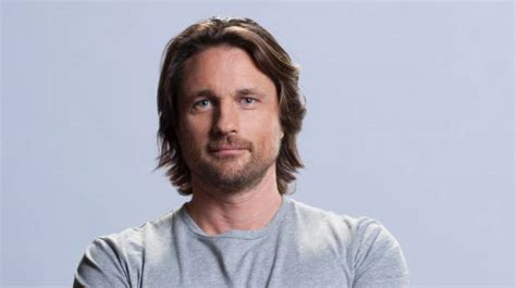 new zealand actor grey s anatomy kiwi martin henderson to replace mcdreamy on grey s