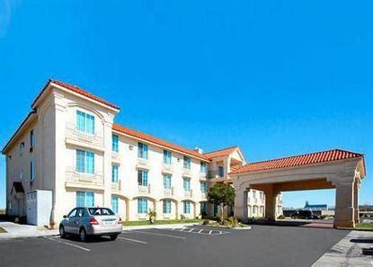 comfort suites lancaster comfort inn suites lancaster deals see hotel photos