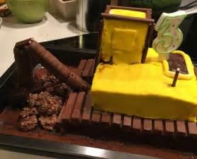 bagger kuchen bagger planierraupe kuchen f 252 r den kindergeburtstag