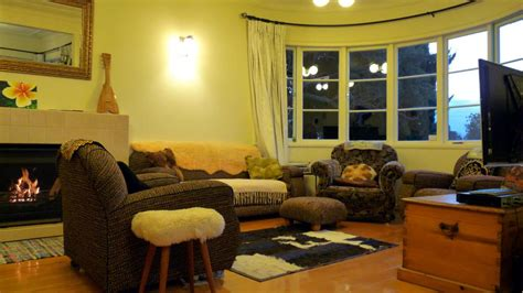 Shared Living Room And Dining Area Facilities Kiwi Heritage Homestay