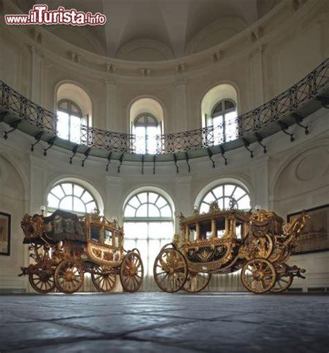hotel delle carrozze roma due delle carrozze esposte al quirinale foto roma