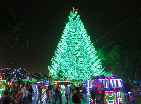 2018 christmas display lights in tewksbury ma alumbrados a guide to the 2018 medell 237 n lights