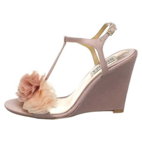 comfortable wedding shoes wedges 1000 images about beach wedding shoes on pinterest