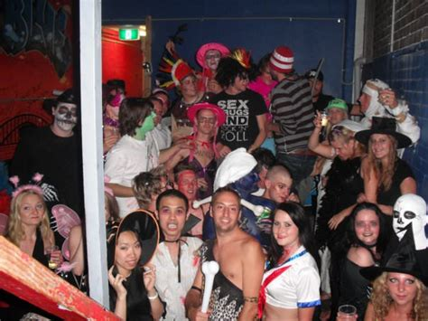 swinging party london 5 craziest travel moments from my first 100 countries
