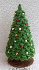 christmas tree in crocodile stitch crochet knit for