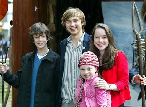 narnia the the witch and the wardrobe characters the actors from new narnia prince caspian take