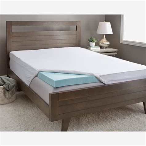 Overstock Foam Mattress by How To Compare Memory Foam Mattress Toppers Overstock