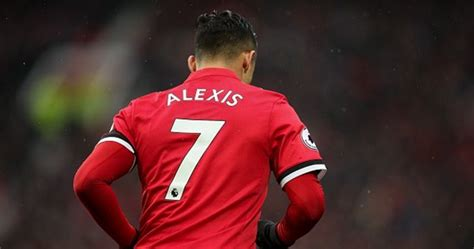 alexis sanchez joe weller alexis sanchez smashes manchester united jersey sales