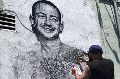 chester bennington mural goes up in los angeles