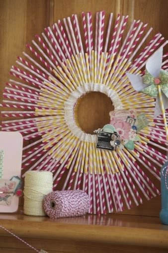 Paper Straw Crafts - 8 craft projects to do with striped paper straws craft