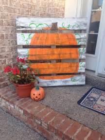 Upcycled Yard Decor 21 Diy Fall Door Decorations Diy Ready
