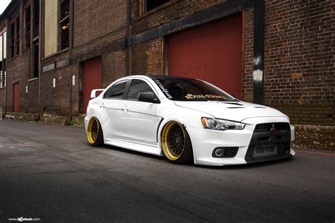 mitsubishi lancer stance mitsubishi lancer evolution on air suspension by avant
