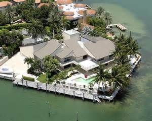 few luxury mansions modern diy art designs luctury waterfront house photos
