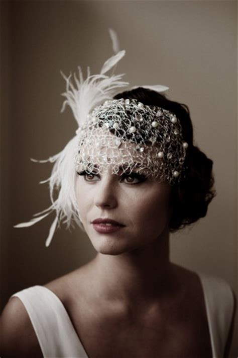 roaring 20s long hairstyles with head jewlrys vintaligious chic the roaring 1920s fashion goes sexy