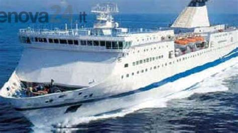 traghetto sardegna genova porto torres traghetti per la sardegna da vado ligure ad agosto con