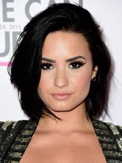 demi lovato biography early life demi lovato parents sister and boyfriends names pictures